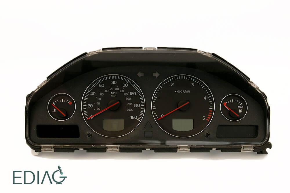 Volvon mittariston korjaus