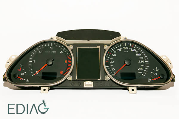 Audi A6 Q7 Mittariston korjaus