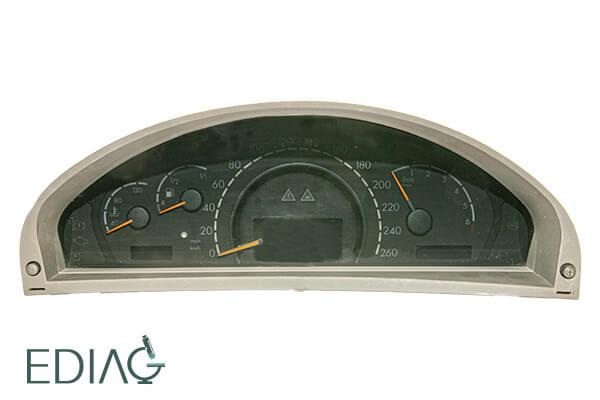 Mercedes-Benz S W220 Mittariston korjaus