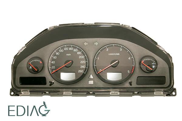 Volvo V70 mittariston korjaus